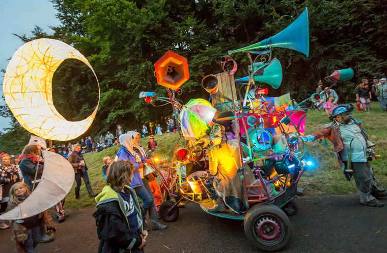 Hurly Burly at Just So Festival Lantern Procession 2017